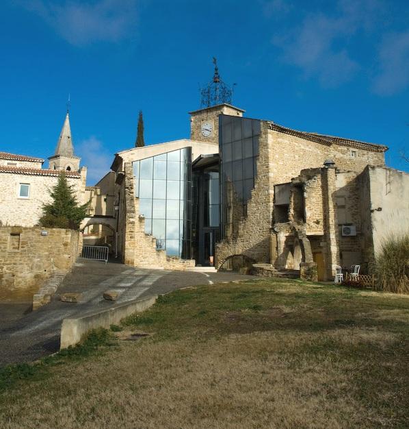 Grillon site officiel de la commune accueil la vie for Maison de la bibliotheque